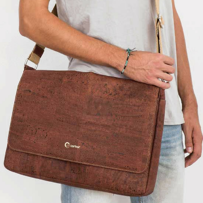 corkor_cork_messenger_bag
