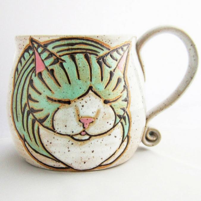susan_altenau_pottery_cat_cup