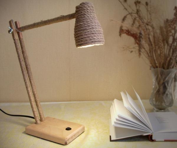 woodslamp_handmade_lamp.jpg